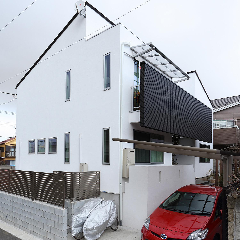 程よい距離感で暮らせる<br>完全分離型二世帯住宅