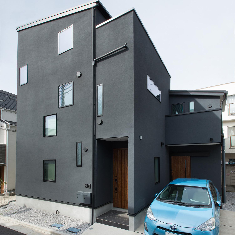 25坪の敷地面積で<br>二世帯住宅を実現した家